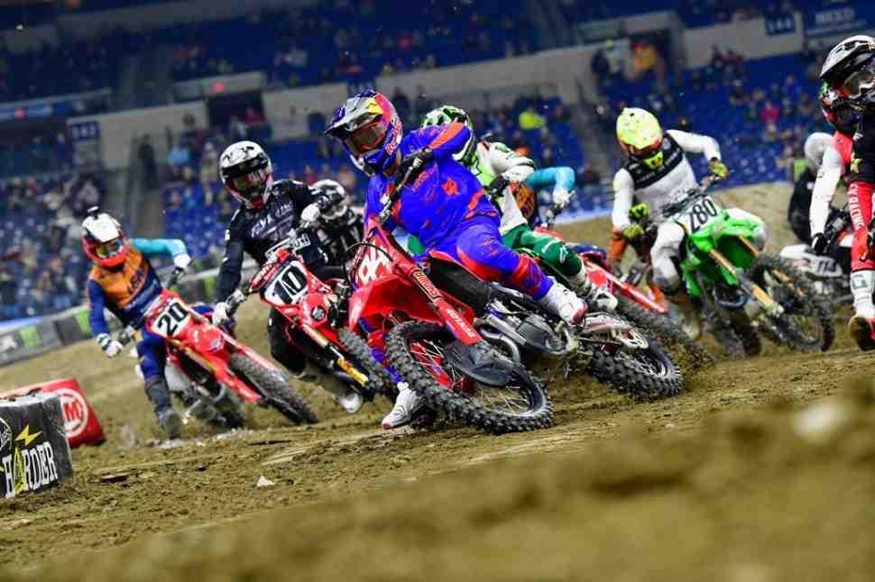 AMA Supercross: Видео - лучшие моменты, обзор и результаты 6-го этапа 450SX, Lucas Oil Stadium