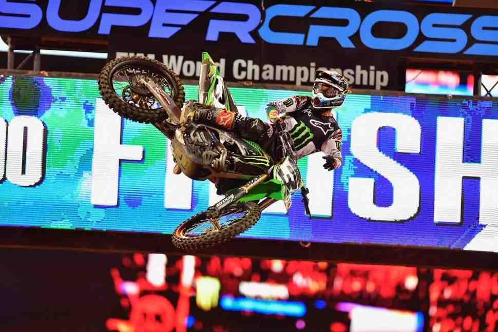 AMA Supercross: Элай Томак использовал последний шанс на все 100 - 14й этап в Нэшвиле