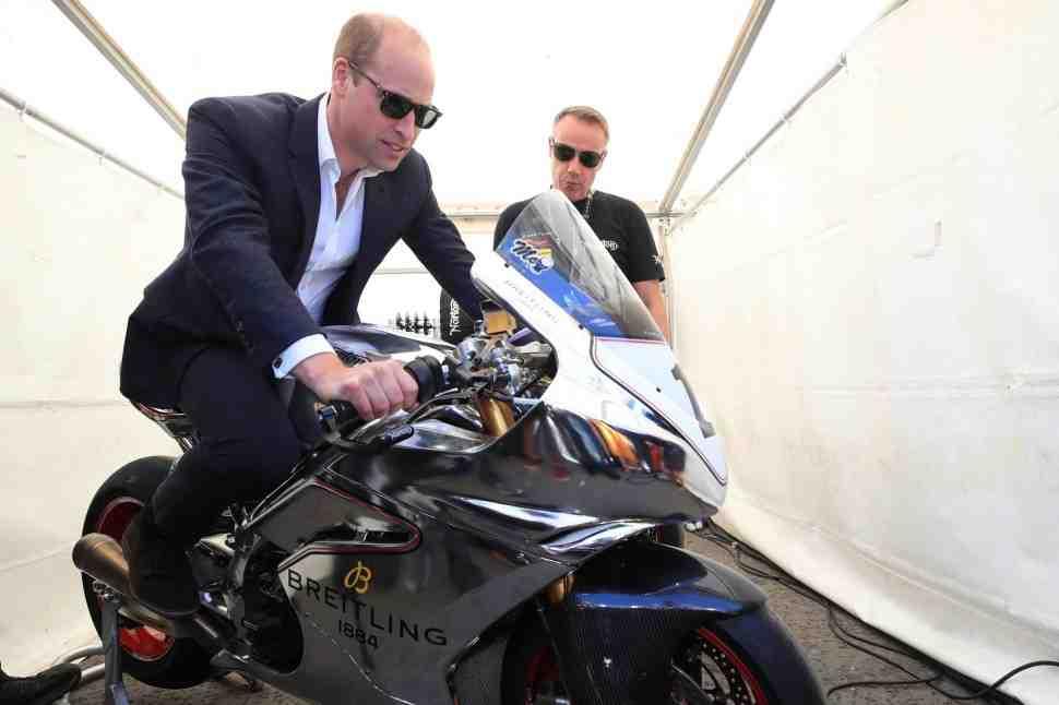 Герцог Кембриджский впервые в истории посетил мотогонки на острове Мэн IOMTT-2018