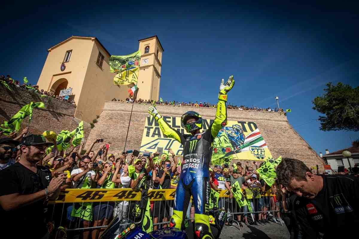 MotoGP: Гипотеза - проект VR46 Racing и Tanal сорвался из-за решения Росси об отставке