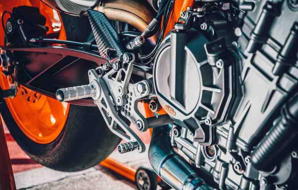 Не шпионские снимки: KTM готовит Ready to Race спортбайк с двигателем LC8C 890 куб.см.
