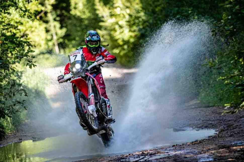 Silk Way Rally 2019: Honda и KTM делят славу после первых дней ралли «Шелковый Путь» в России