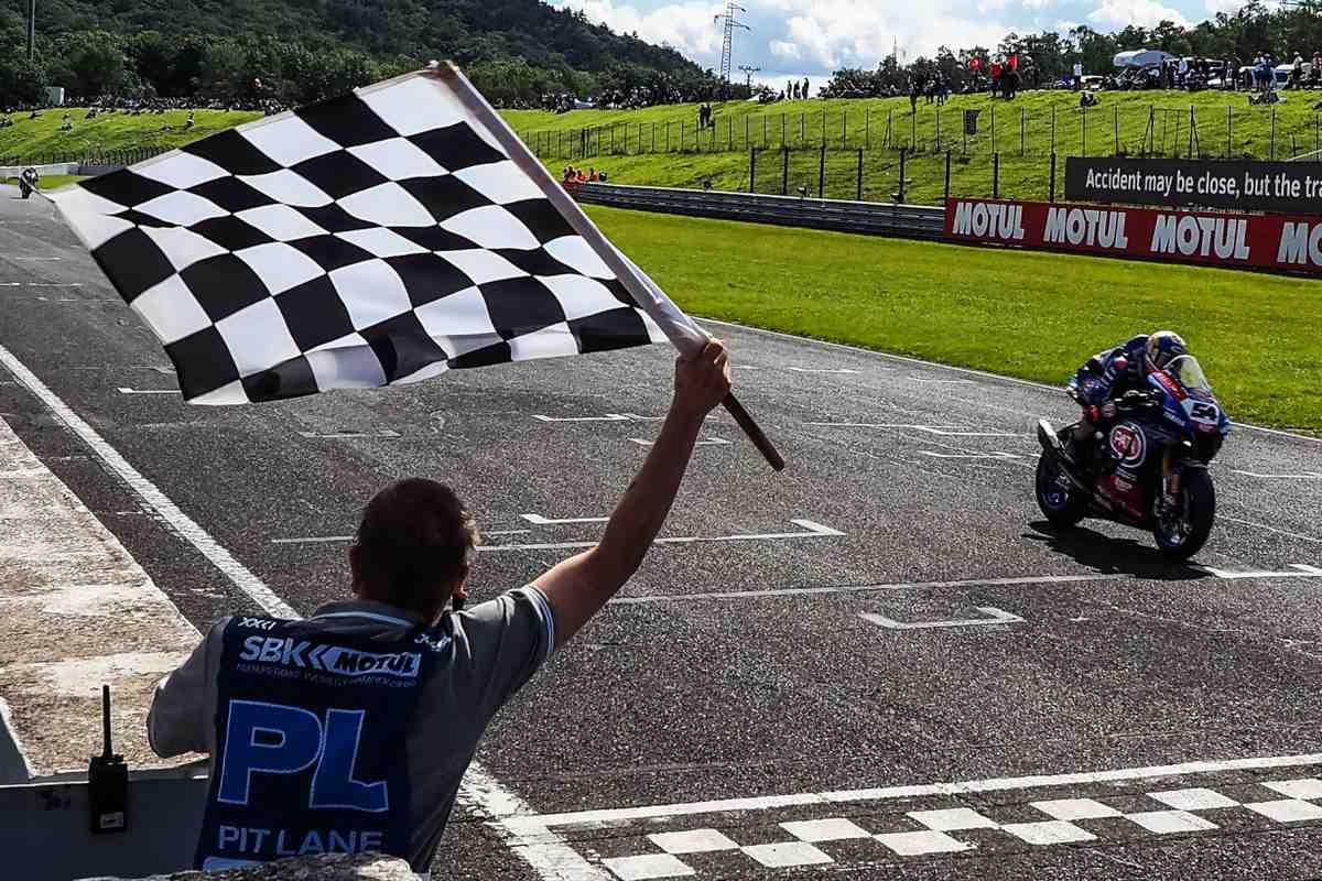 CZEWorldSBK: ������ ������������ �������� ���������� �� ��� ����� ������ �� Superpole Race