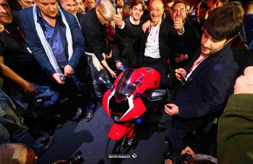 EICMA-2019: Президент Ducati попросил Honda Fireblade CBR1000RR-R на личный тест-драйв