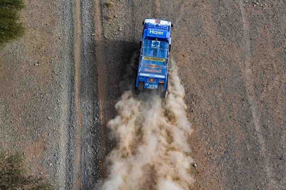 КАМАЗ оккупирует виртуальный подиум Дакар-2020 в зачете грузовиков в Эль-Уле