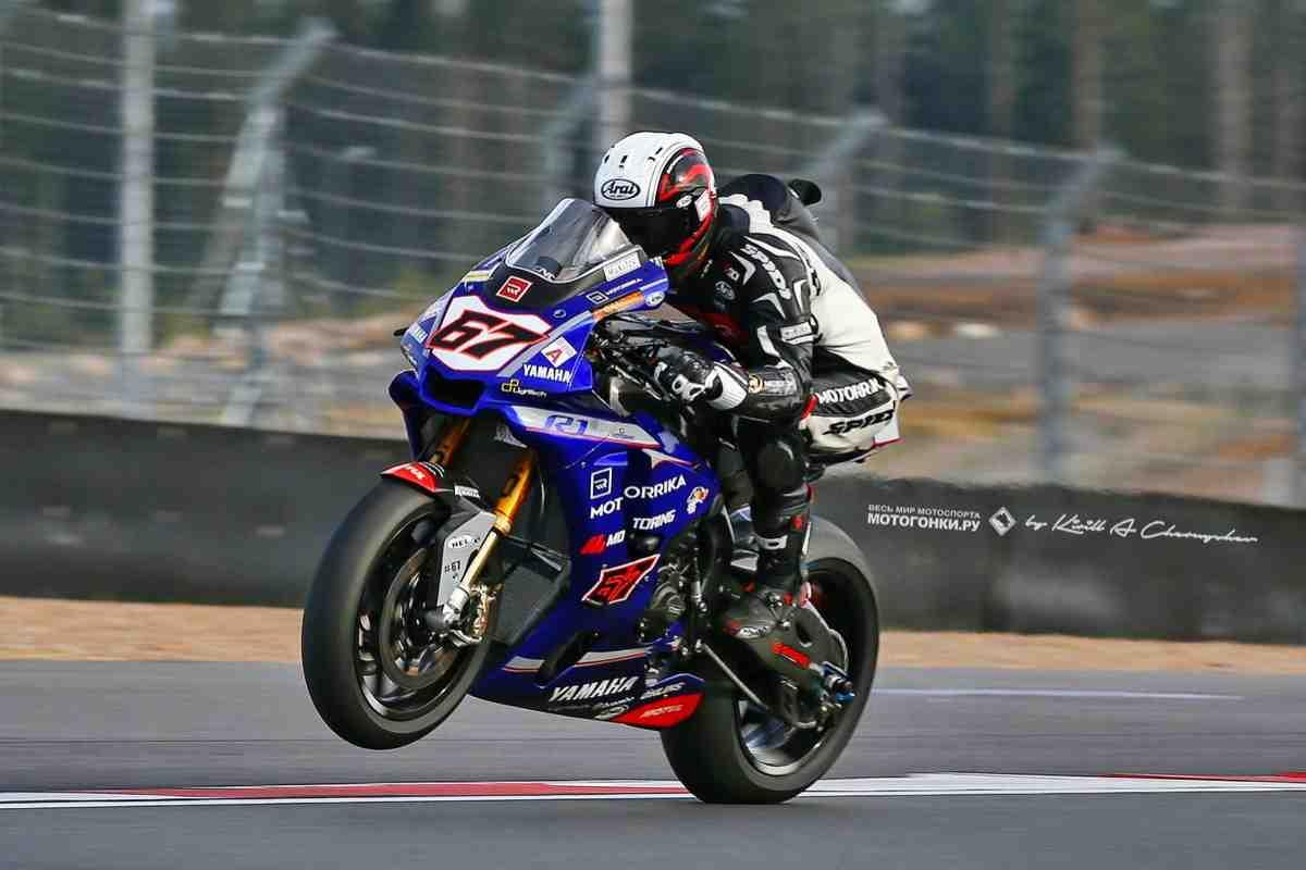 Лучший спортбайк обоих миров - Yamaha YZF-R1 (2020): тест-драйв - переходим в Track Mode