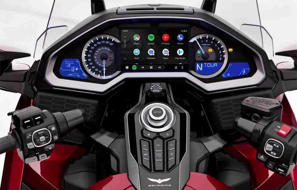 На Honda Gold Wing бесплатно установят Android Auto
