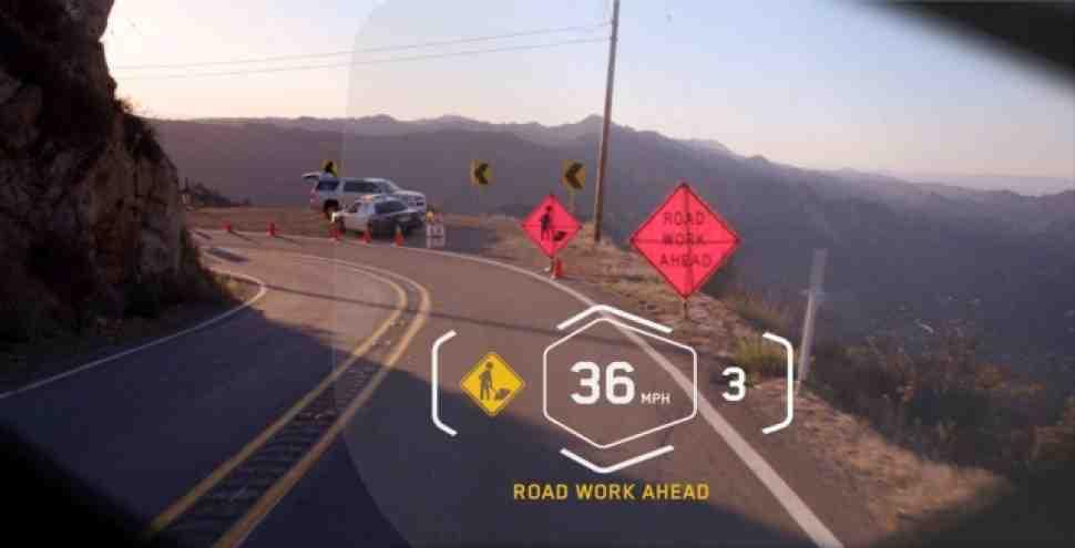 BMW Motorrad представила концепт умного мотошлема на CES-2016