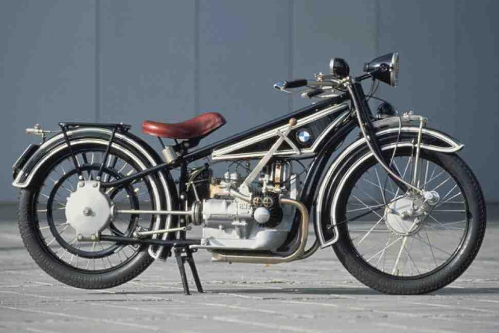 BMW отпразднует 100-летие, выставив самый первый мотоцикл на IMIS 2016
