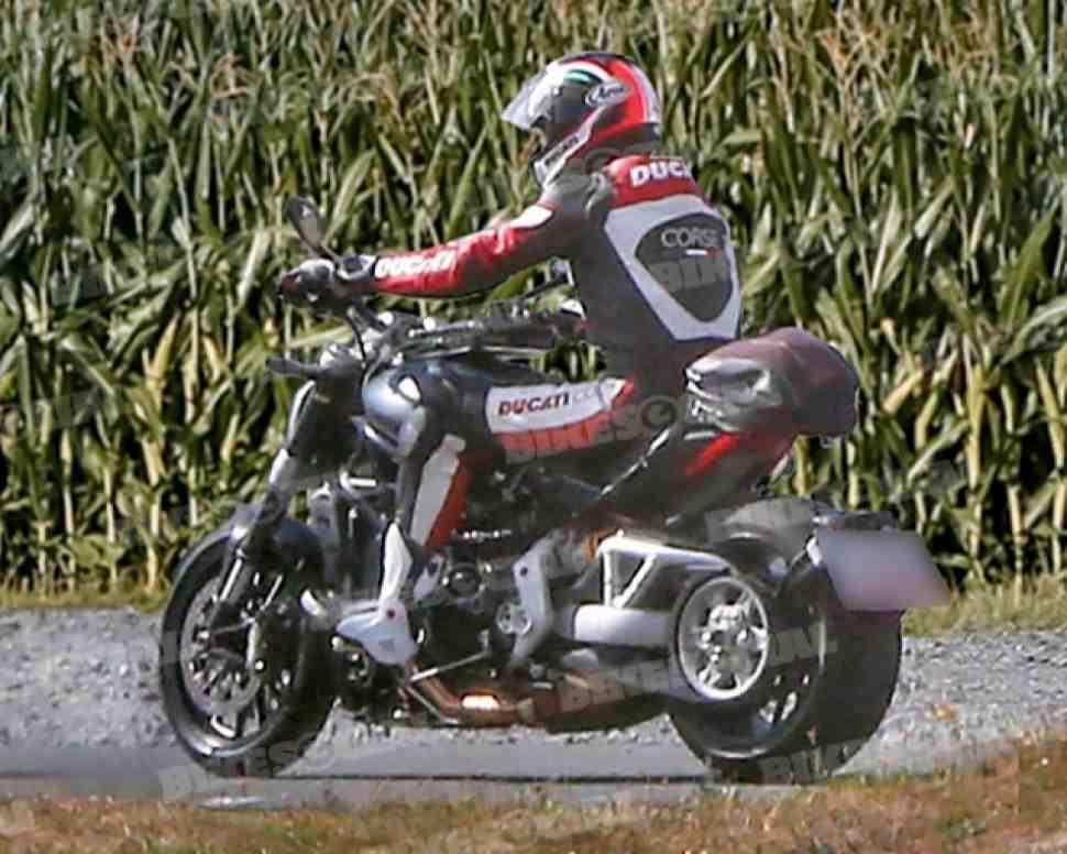 Чоппер Ducati Diavel с DVT и ремнем появится на EICMA-2015?