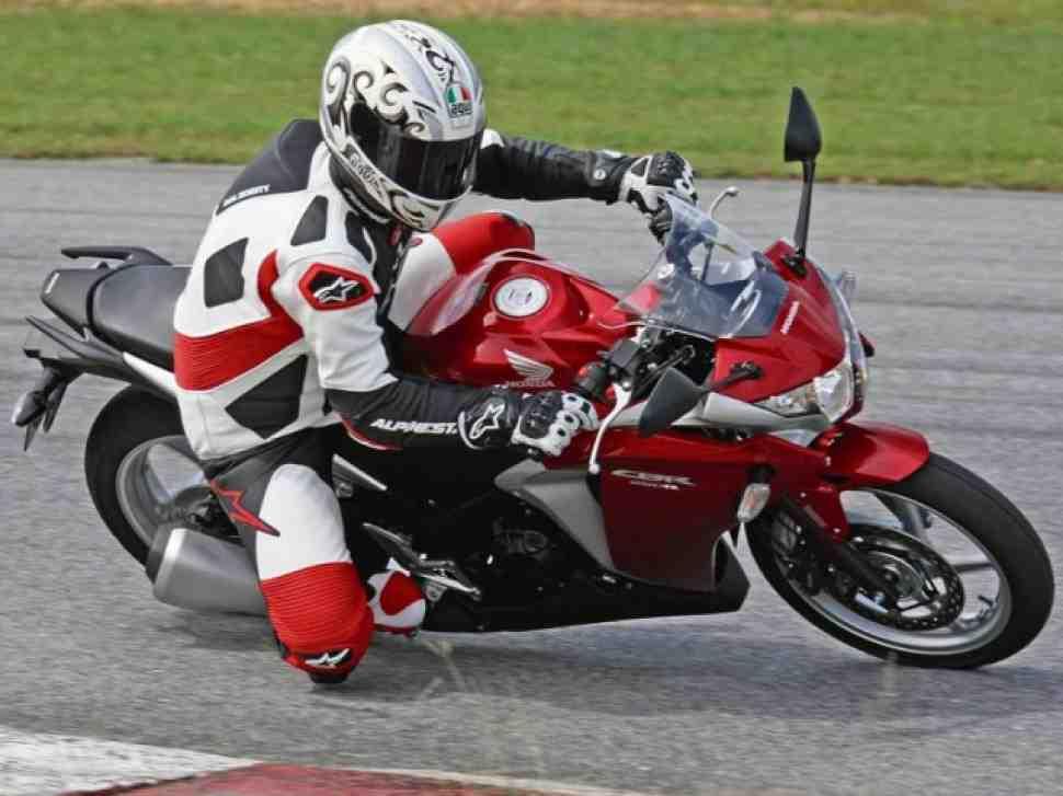 "Honda CBR250R - не ""baby Blade"", уверяют тест-пилоты"