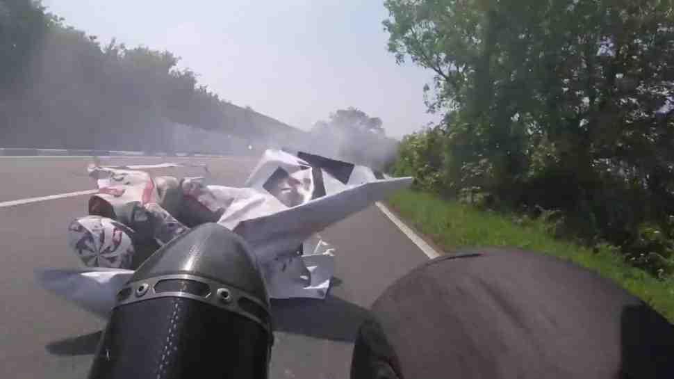 Isle of Man TT: чудесное спасение Джейми Каутона (видео)