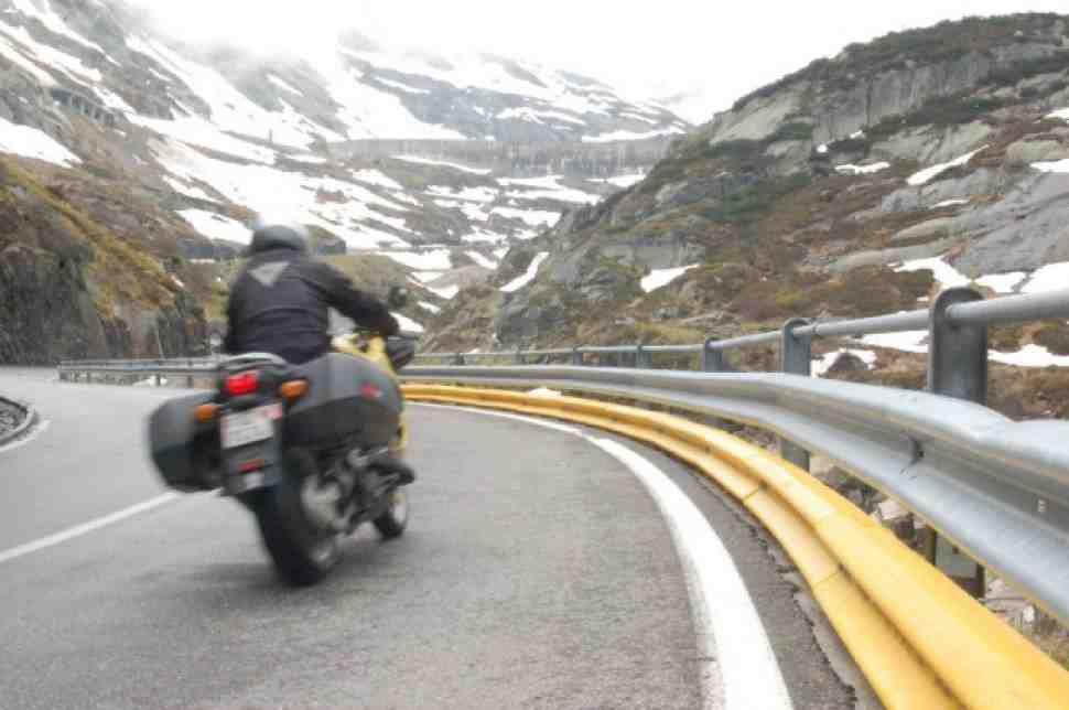 Италия спасет своих мотоциклистов от гибели в отбойнике