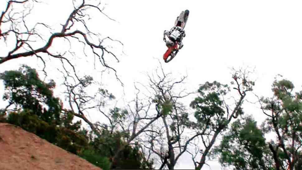 Мотофристайл: Front Flip 360 - впервые (видео)