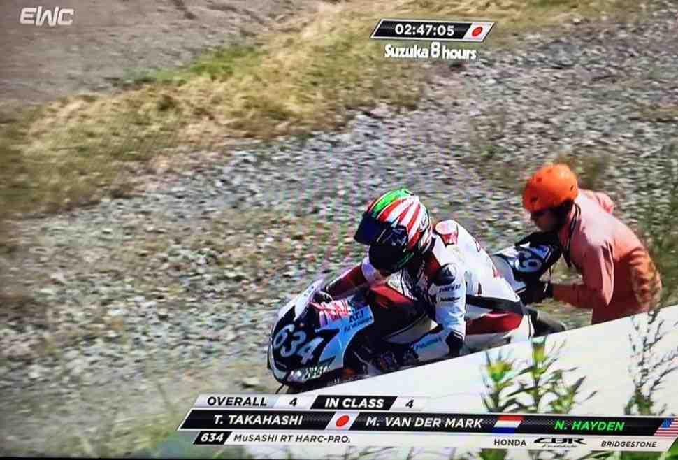 Никки Хейден выбыл из Suzuka 8 Hours из-за возгорания мотоцикла