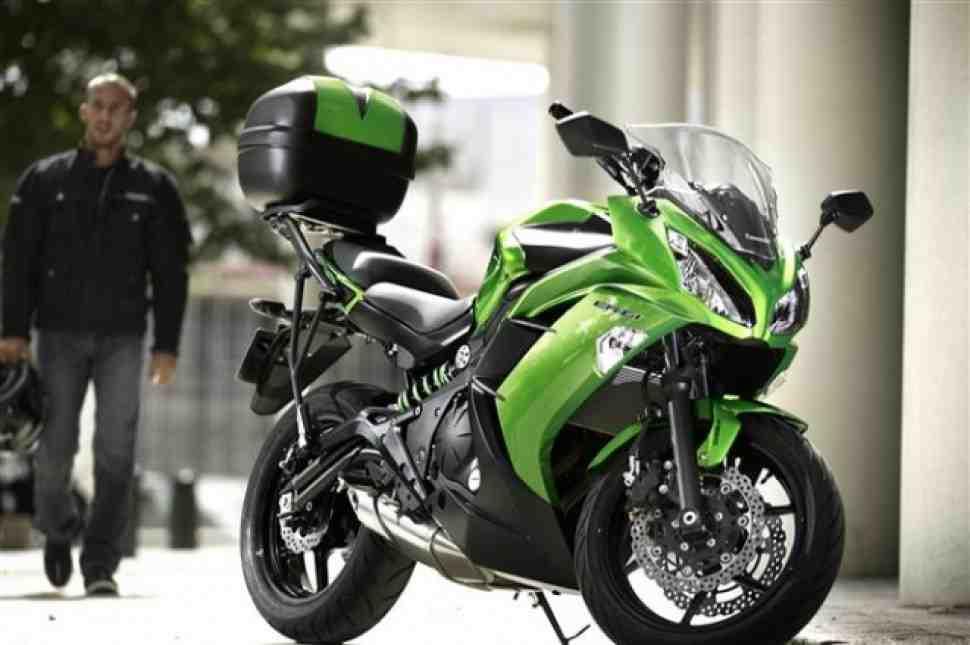 Распродажа новых мотоциклов 2015 г.в.: Kawasaki ER-6F - 524 тыс. руб