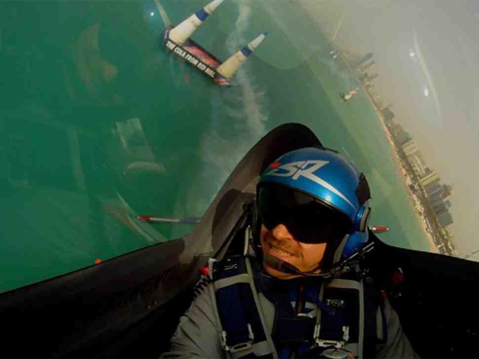 Red Bull Air Race в Абу Даби оказался полным сюрпризов