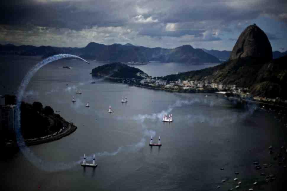 Red Bull Air Race в Рио де Жанейро - в День Победы!