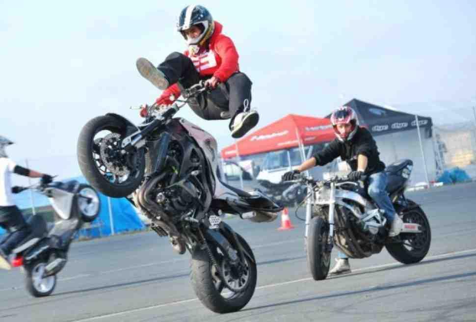 Stunt: Джориан Пономарефф поздравляет (видео)