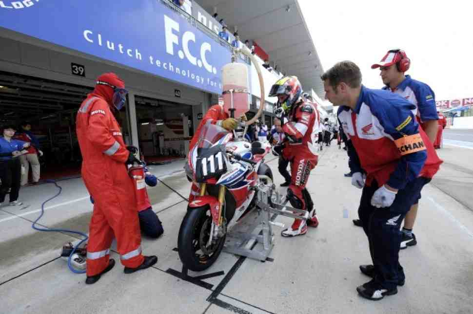 Suzuka 8H: Победа FCC TSR Honda и провал Honda Racing EWC
