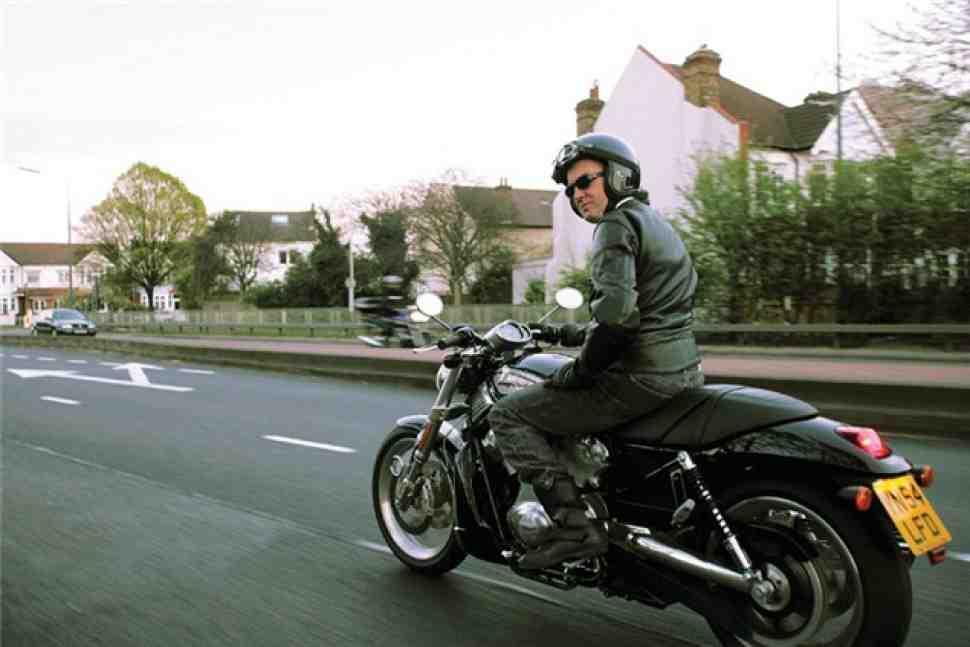 Top Gear: Джеймс Мэй переключился на тесты мотоциклов