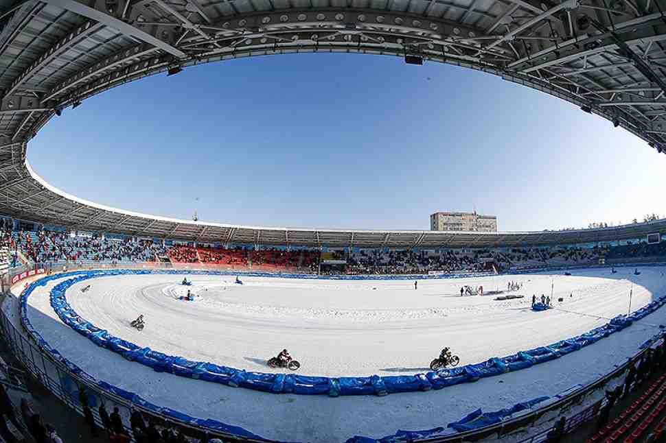 В Тольятти стартовал КЧМ 2016 года по мотогонкам на льду