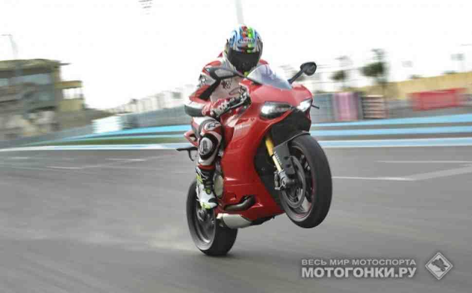 Видео двойного тест-драйва: Ducati Panigale 1199