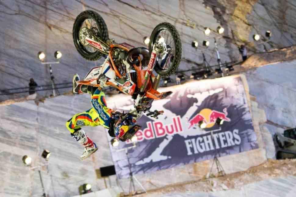 Видео - Red Bull X-Fighters 2015: весь сезон и все трюки
