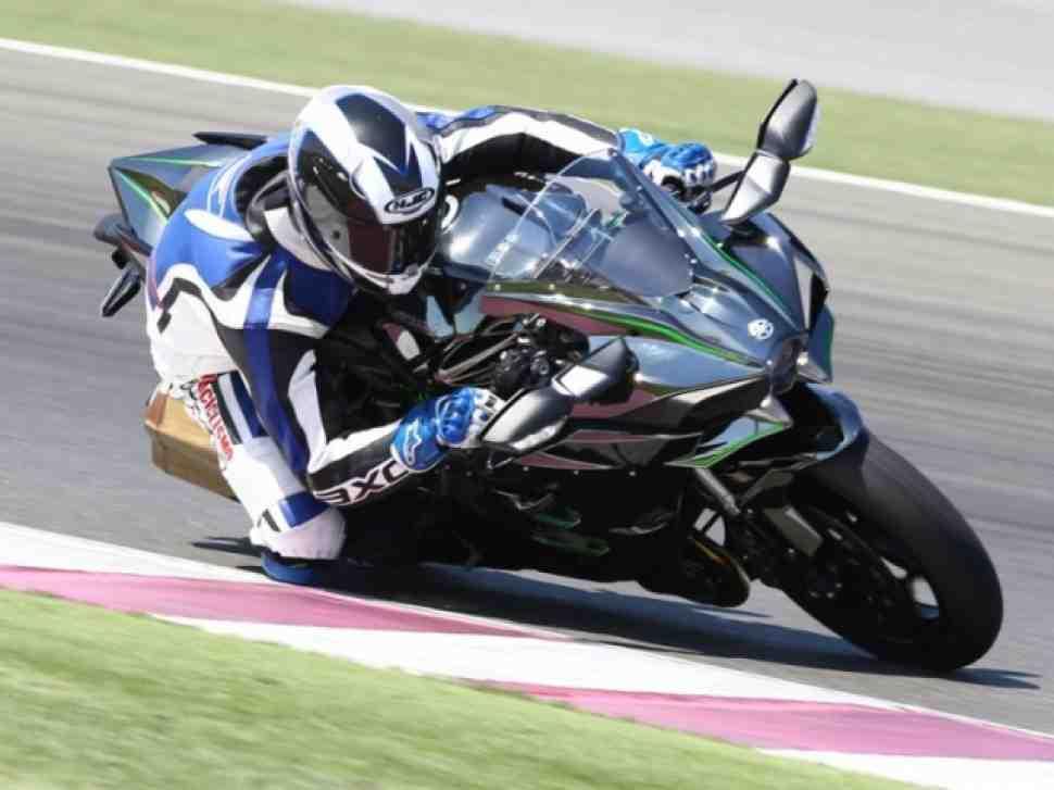 Видео: Тест-драйв Kawasaki Ninja H2 и Ninja H2R, Катар