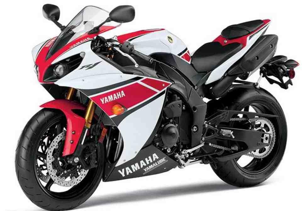Yamaha YZF-R1 (2012) - теперь с трекшн-контролем